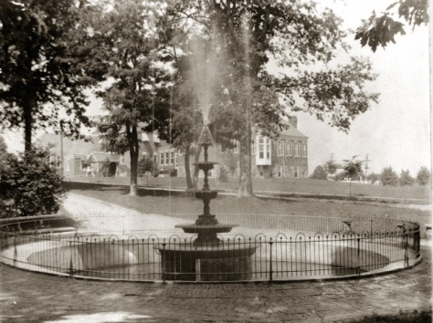Marshall Square Park Fountain in its Original Glory.